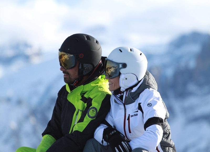 El casco para esquiar y su importancia