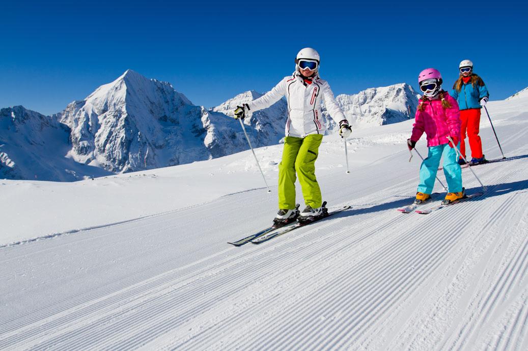 Consejos para esquiar en familia.